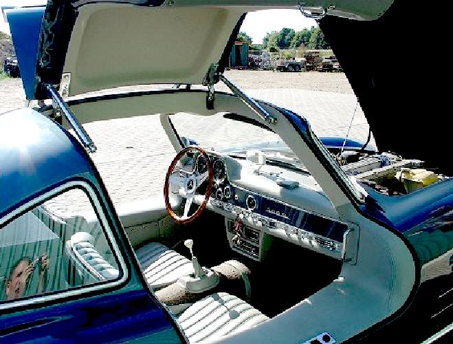 Gullwing door hinges and struts ... & MERCEDES BENZ 300 SL GULL WING DOORS COUPE RESTORATION PROJECTS