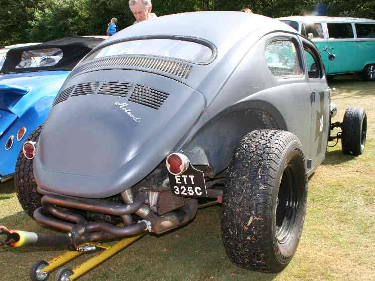 A nice, really ratty, custom VW beetle