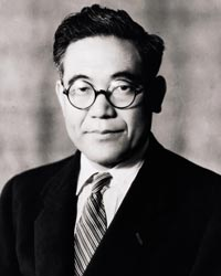 http://www.speedace.info/automotive_directory/toyota/toyota_images/Kiichiro_Toyoda_Toyota_founder.jpg