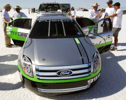 The Ford Fusion Hydrogen 999 LSR car