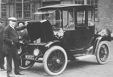 Thomas Edison and his electric Detroit from 1913